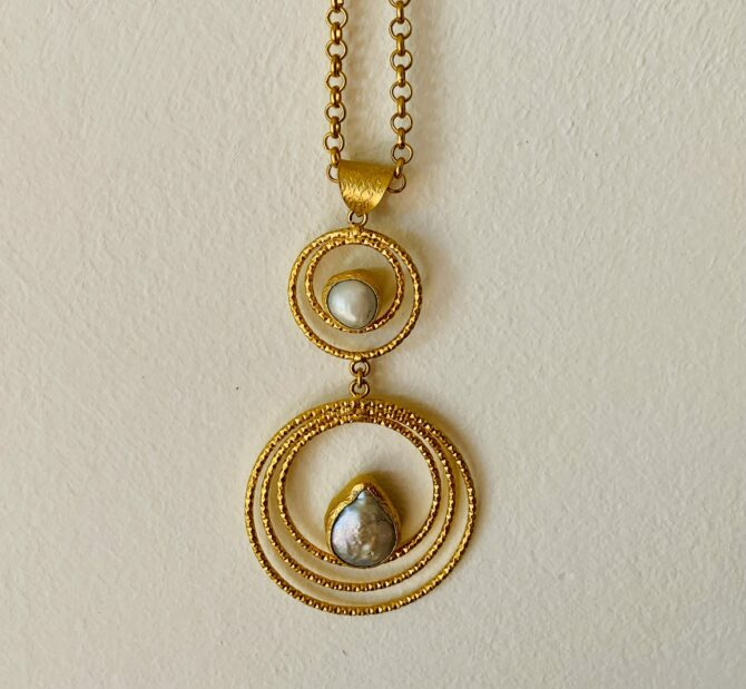 goldplated pearl necklace